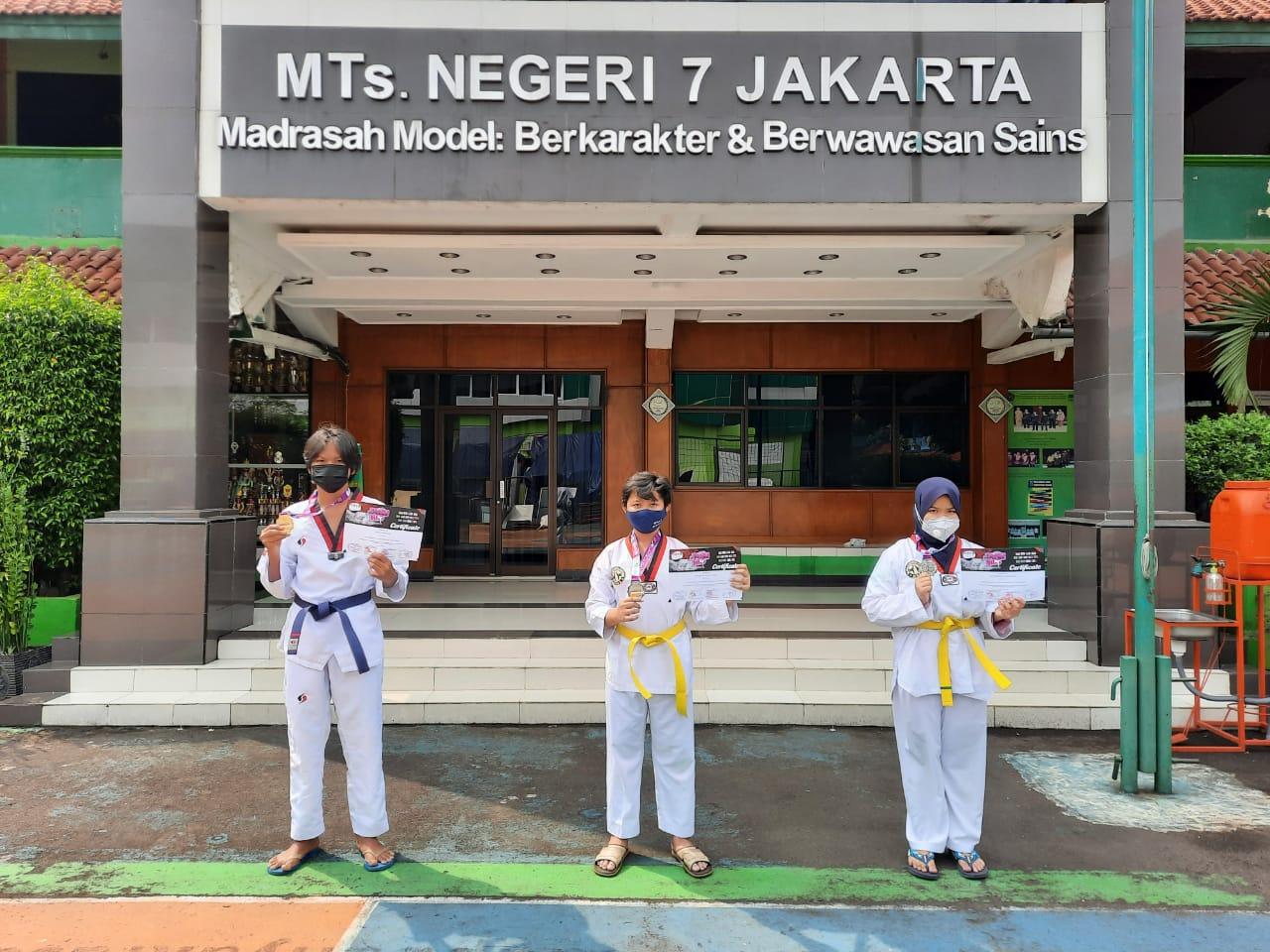 """Taekwondo MTSN 7 Jakarta """"Mengawali Tahun Ajaran Baru 2021/2022 dengan Prestasi Internasional"""""""